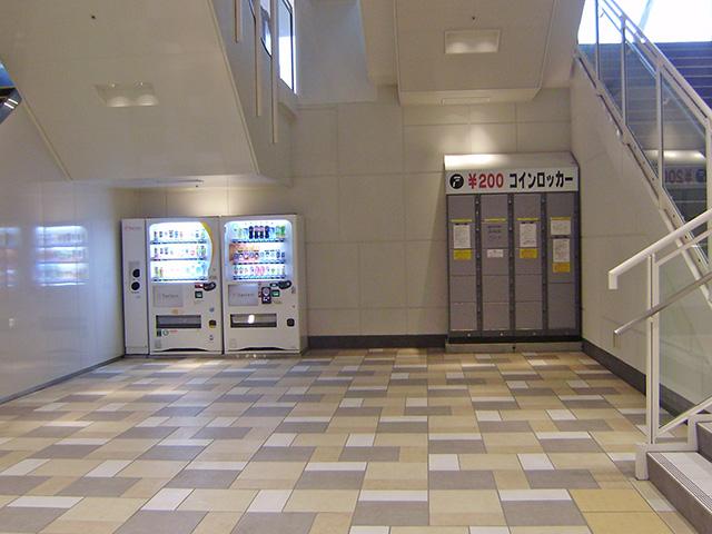 戸塚のショッピングセンター内に設置されたコインロッカー